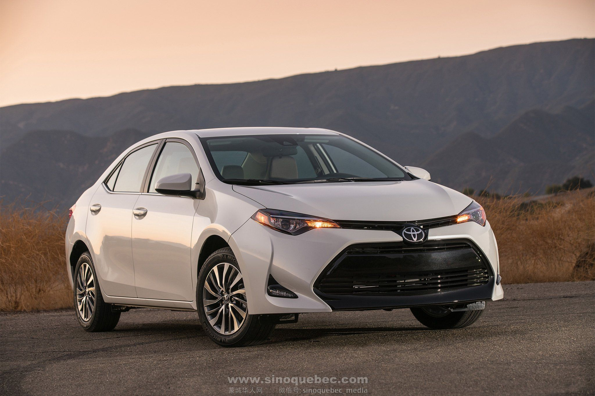 2017-Toyota-Corolla-ECO-front-three-quarter-02.jpg