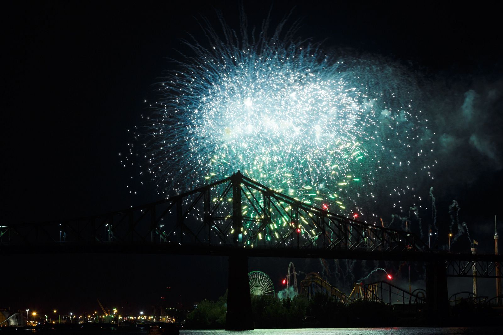 montreal_fireworks_competition_201713_1100.jpg