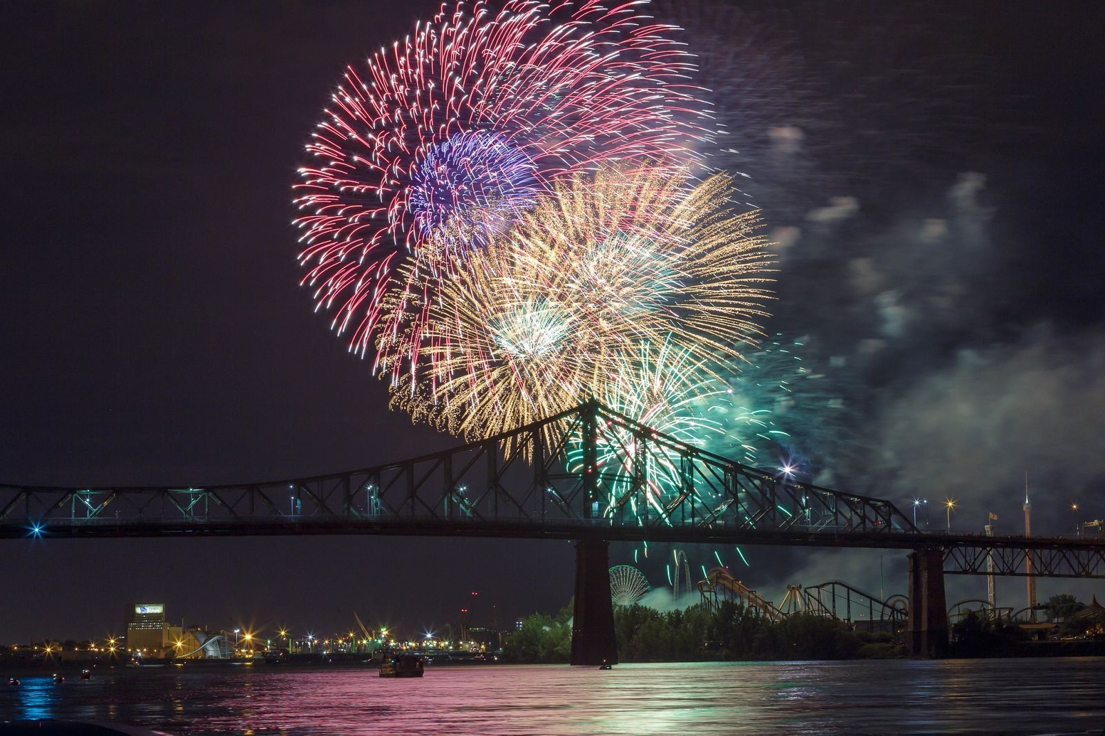 montreal_fireworks_competition_201717_1100.jpg