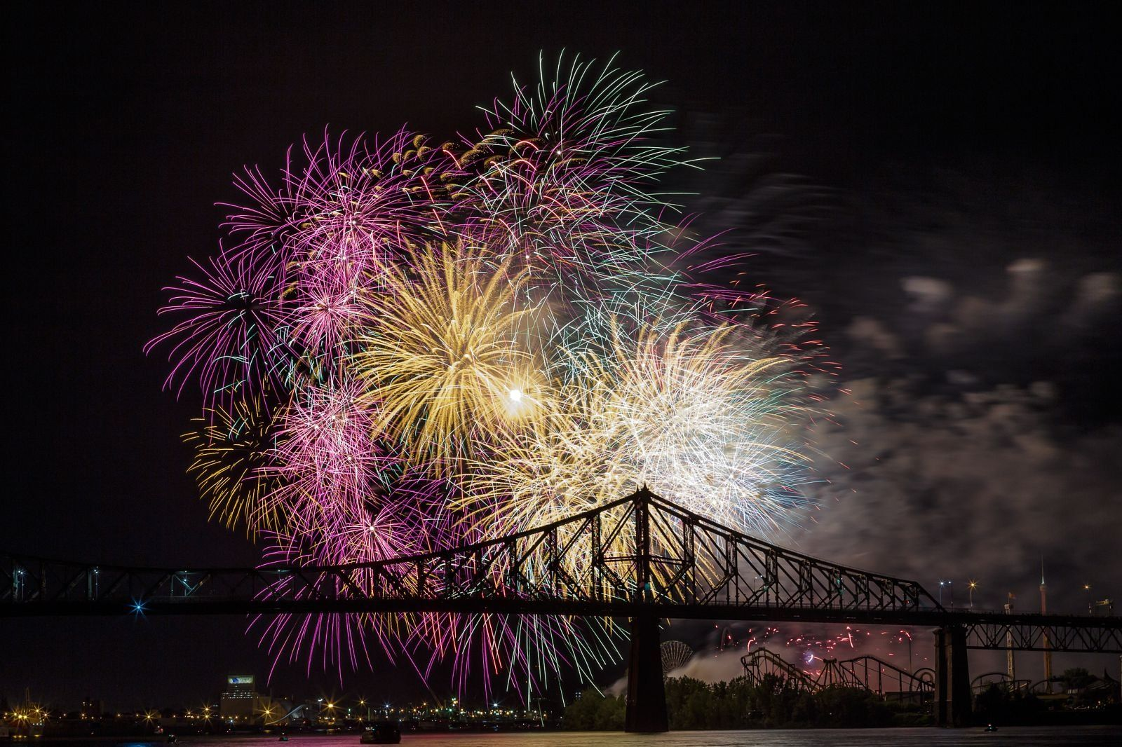montreal_fireworks_competition_201720_1100.jpg