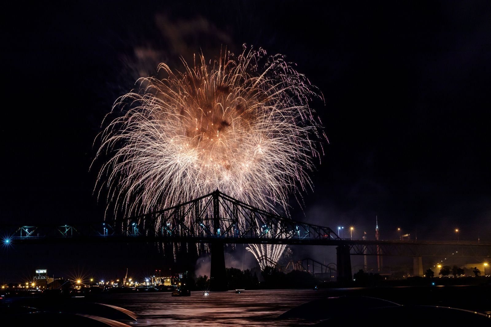montreal_fireworks_competition_201722_1100.jpg