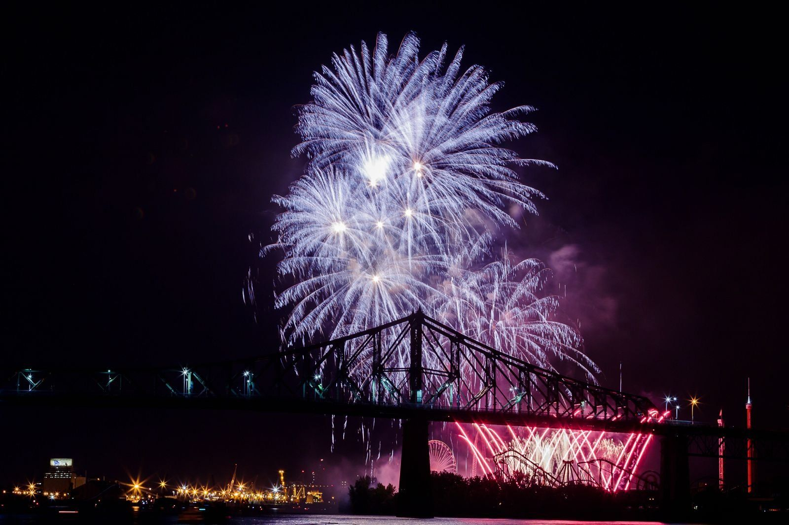 montreal_fireworks_competition_201724_1100.jpg