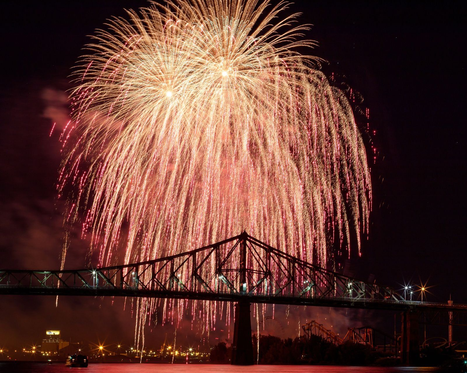 montreal_fireworks_competition_201726_1100.jpg