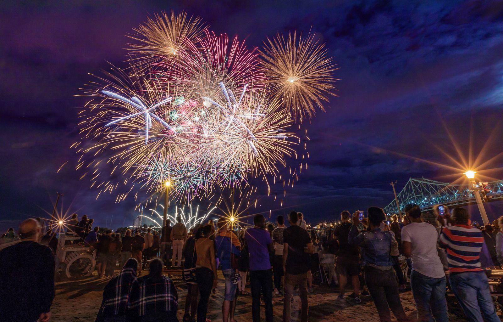 montreal_fireworks_competition_201729_1100.jpg